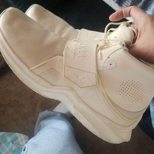 Puma fenty sneakers worn 2 times 8_10☆